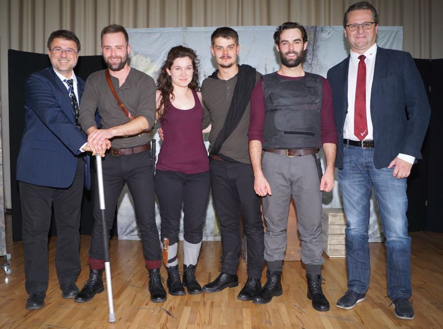 Viennas English Theatre Gastierte Am Goethe Gymnasium